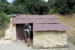 """Les """"vestiges"""" (largement reconstruits) des anciennes huttes de chercheurs d'or chinois à Arrowtown"""