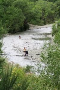 """Chercheurs d'or dans la rivière """"Arrow"""""""
