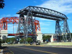 Pont transbordeur à la Boca, Buenos Aires. Ce fut le premier lien construit entre Buenos Aires et la banlieue située au dela de la rivière Riachuelo