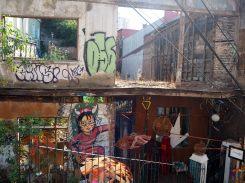 Une maison en ruine à Valparaiso, laissée à l'abandon et non restaurée, en raison des règles strictes de l'Unesco d'après ce qu'on nous a dit