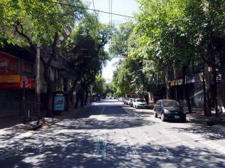 Les rues vides de Mendoza un dimanche