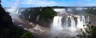 Panorama des chutes d'Iguazu, coté Brésilien