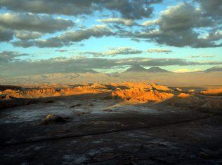 Panorama de la Vallée de la Lune, vue depuis le Los Achaches, coucher du soleil