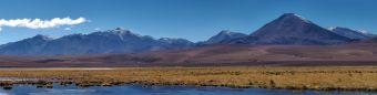 Panorama des volcans au loin