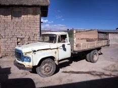 Camion local, à Colchani près d'Uyuni