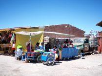 Echoppes pour touristes à Colchani, point d'entrée au salar d'Uyuni