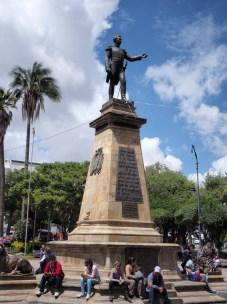 La statue de Simon Bolivar, Plaza 25 de Mayo, Sucre