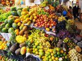 Stand de fruits, Marche de Sucre