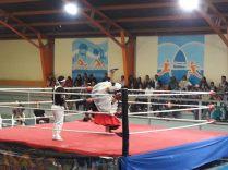 """Cholita Wrestling"" à El Alto, deux ""cholitas"" s'affrontent"