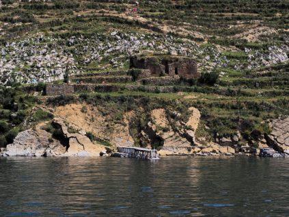 Le point de débarquement le plus au sud de l'Isla Del Sol qui permet de suivre un chemin remontant l'île