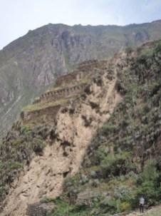 Site archéologique Inca de Ollantaytambo. Structures Inca construites à flan de colline