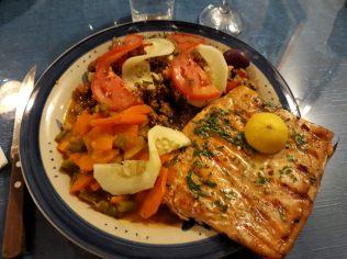 Assiette de poisson servie au lac titicaca