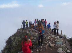 Les autres touristes au sommet de la Montana Machu Picchu