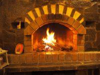 """Un feu réconfortant lors de notre étape dans un """"lodge"""""""