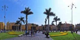 Panorama de la plaza Mayor (vue sur l'hotel de ville), Lima