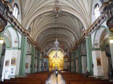 A l'intérieur de la basilique de Santo Domingo