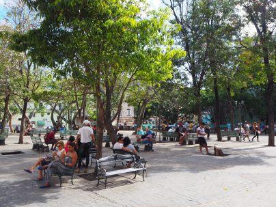 Une des places publiques à partir de laquelle il est possible de se connecter à internet (via Wifi)