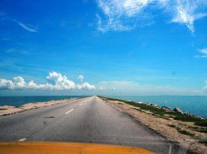 Sur la route-digue vers Cayo Coco
