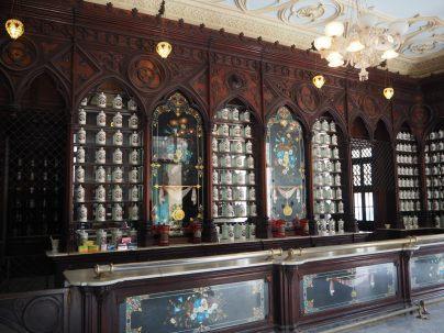 La Pharmacie Taquechel, sur la calle Obispo, est la plus vieille pharmacie de la Havane