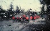 window-rain-car-traffic-lights-desktop-wallpaper
