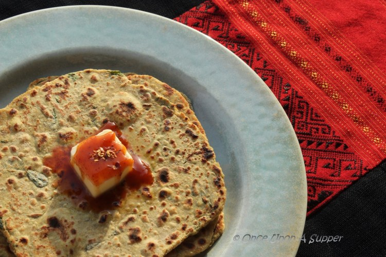 Masala Methi Thepla – Gujarati spiced flatbread with fenugreek