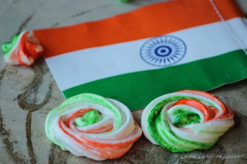 Tricolor Meringue rose cookies -- happy independence day to my India!