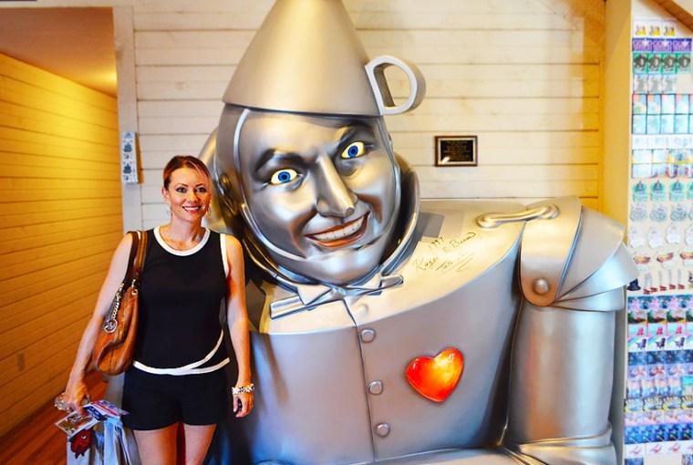 Terri Wheat with Tin Man at Oz Museum