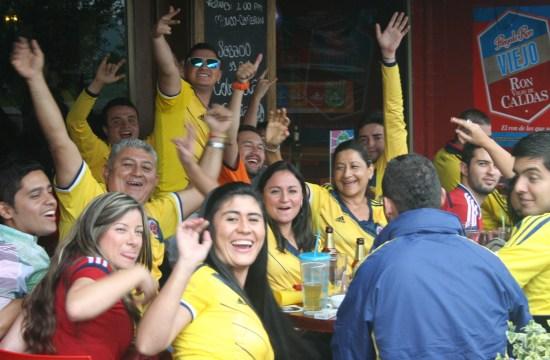 Celebrating the World Cup / Celebrando la Copa del Mundo