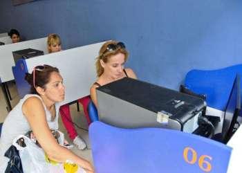 Servicio público de acceso a Intrenet en Cuba