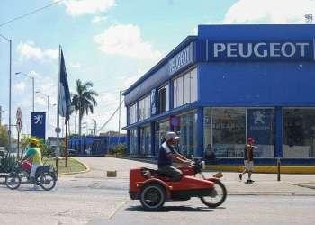 Agencia de autos en La Habana