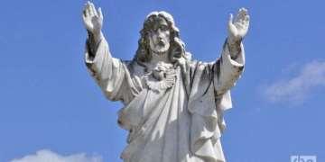 Jesus at the cemetery. Photo: Yuris Norido