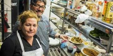 Niurys Higueras, owner of the restaurant Atelier and Douglas Rodríguez / Photo: Alain L. Gutiérrez Almeida