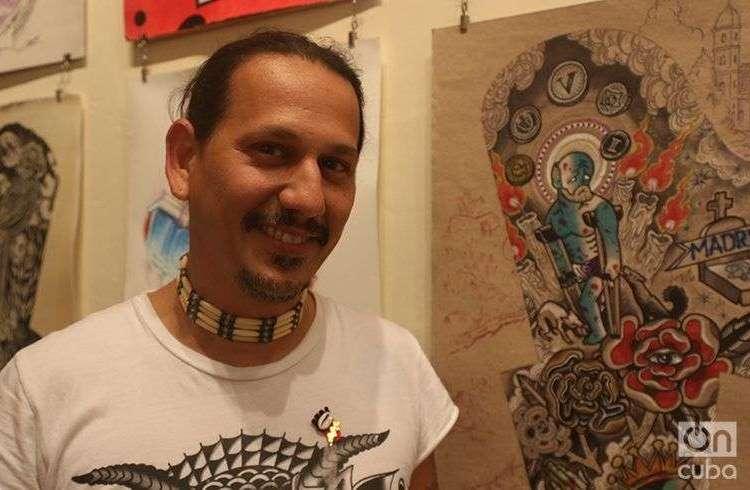 Leo Canosa, artist founder of La Marca, a tattoo studio gallery in Cuba. Photo: Ismario Rodríguez.