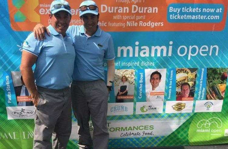 Alain Alvarez Legrá (to the right) with his brother Ernesto in the 2016 Miami Open. Photo: Courtesy of the interviewee.