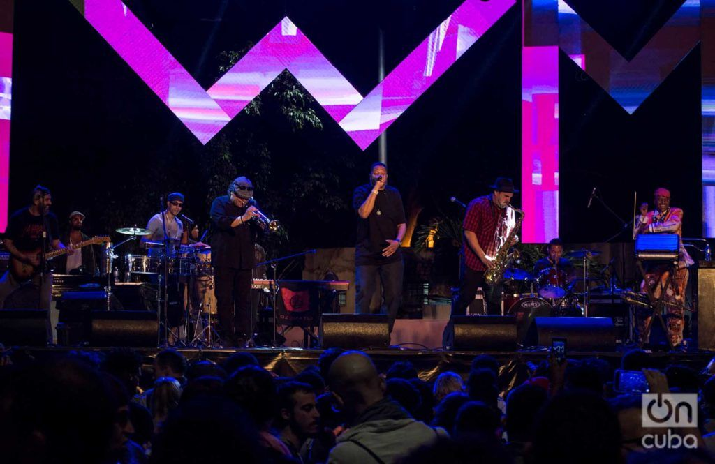 Ozomatli. Photo: Otmaro Rodríguez.