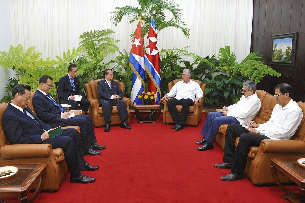 Cuban President Miguel Díaz-Canel (3-r) received Vice President of the Central Committee of the Workers Party of Korea Ri Su-yong (4-l) on Thursday, May 23, 2019. Photo: Estudios Revolución.