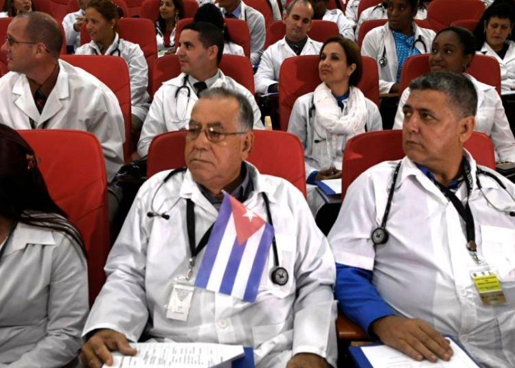 Cuban medical collaborators outside the island. Photo: Archive.