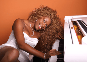 Yanela Brooks has a consolidated career in Europe as a singer, songwriter and arranger. Photo: worldwidecubanmusic.com