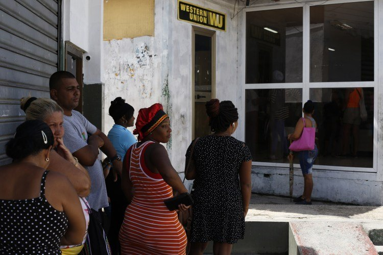 U S  government restricts sending of remittances to Cuba