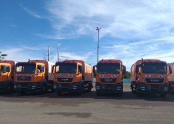 Garbage trucks, part of a batch of 10 donated to Havana by the Vienna government. Photo: Agencia Cubana de Noticias