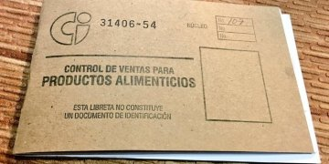 """Ration book of Cuba products, known as """"ration book."""" Photo: @SashaEats / Twitter."""