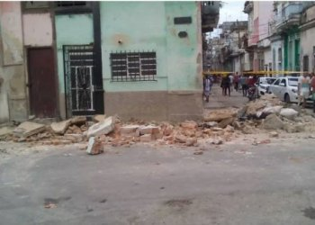 Photo of the collapsed building that killed three girls in the Jesús María neighborhood, in Old Havana, on January 27, 2020. Photo: Raúl Rodríguez/Facebook.