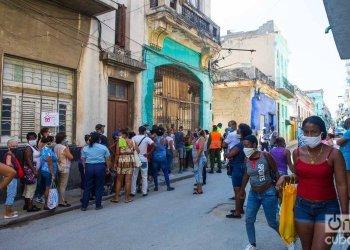 Cuba reported 12 new positive coronavirus cases and three deaths on May 10, 2020. Photo: Otmaro Rodríguez.