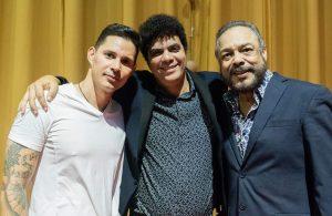 Yeandro, al centro, junto a Leoni Torres y Pancho Céspedes. Foto: Marcel Fernández.