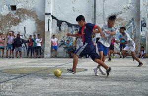 Se juega a cualquier hora y en distintos lugares. Foto: Otmaro Rodríguez.