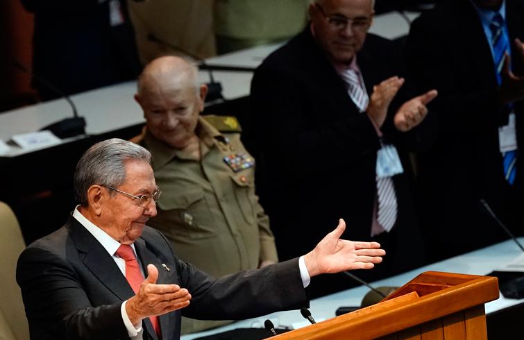 Raúl Castro habla en la Asamblea Nacional de Cuba ya como expresidente de la Isla, este 19 de abril de 2018. Foto: Ramón Espinosa / Pool / EFE.