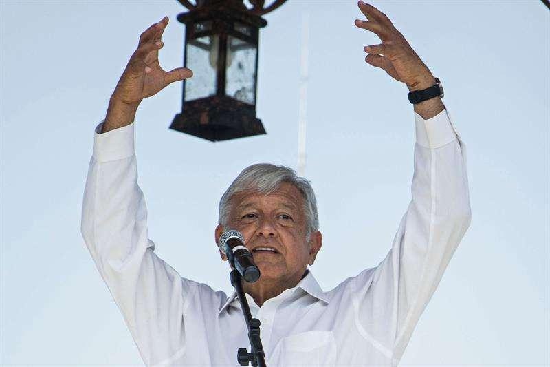El líder del Movimiento Regeneración Nacional (Morena) durante un acto de campaña, en el municipio de Uriangato, en el estado de Guanajuato, México, el 31 de mayo. Foto: EFE / Prensa Candidato.