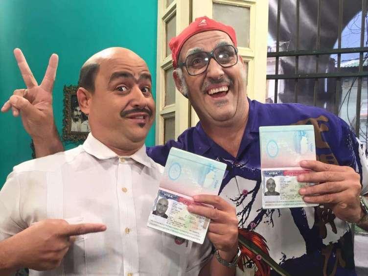 Andy Vázquez y Mario Sardiñas (Chequera) celebran la visa otorgada para ir a Estados Unidos. Foto tomada de su perfil de Facebook