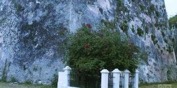 Tumba de Zenea en el llamado Foso de los Laureles / Foto: Reinaldo Cedeño