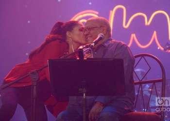 Haydée y Pablo Milanés en concierto. Foto: Archivo OnCuba.